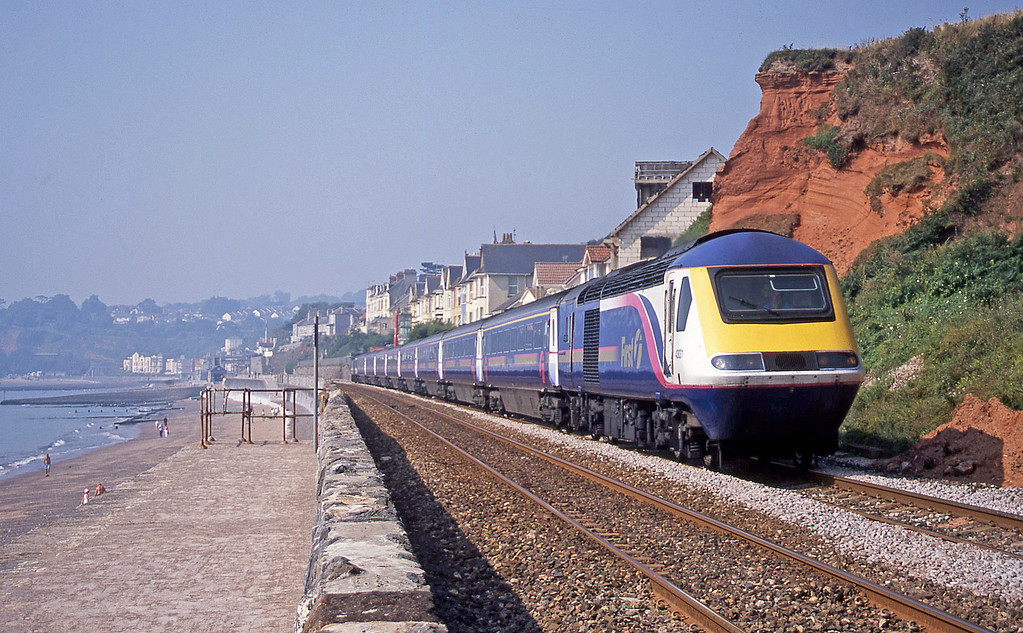 43031/43132, 07.35 Penzance-London Paddington, Dawlish, 9-8-03.