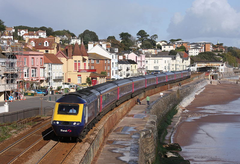 HST, 10.06 London Paddington-Penzance. Dawlish, 5-11-09.