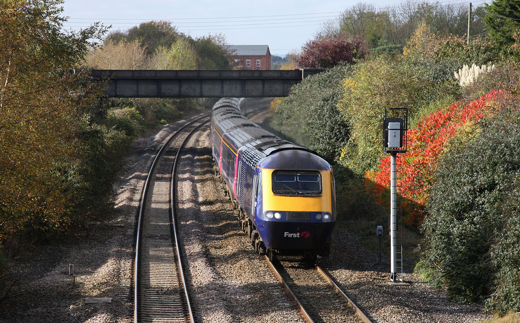 HST, 07.37 Penzance-London Paddington, Creech St Michael, near Taunton, 28-10-09.