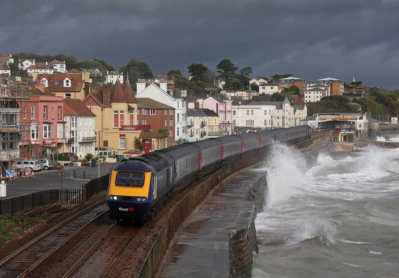 HST, 10.06 London Paddington-Penzance, Dawlish, 11-11-09.