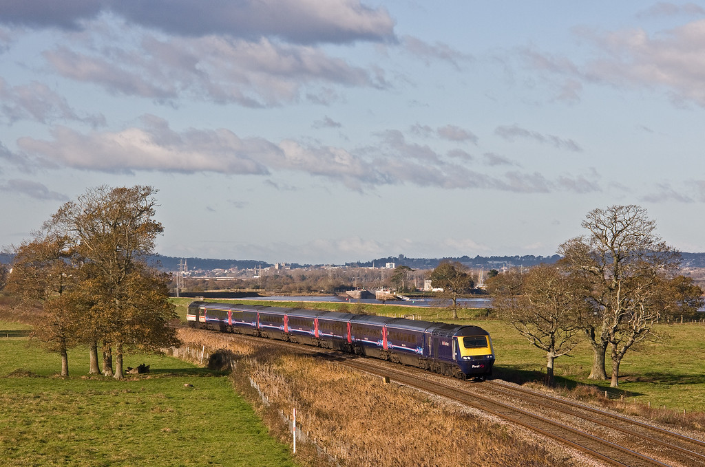 43176/43185, 10.00 London Paddington-Paignton, Powderham, near Exeter, 1-12-17.