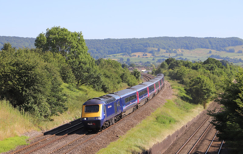 43053/43002, 15.36 London Paddington-Cheltenham Spa, Standish Junction, near Stonehouse, 27-6-18.