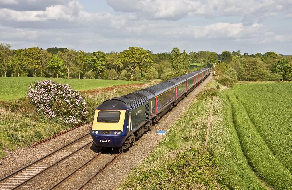 HST, 16.03 London Paddington-Penzance, Woodborough, near Pewsey, 10-5-18.