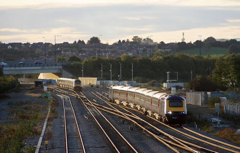 HST, 15.45 London Paddington-Swansea, HST, 16.55 Cardiff Central-London Paddington, Severn Tunnel Junction, 20-10-10.