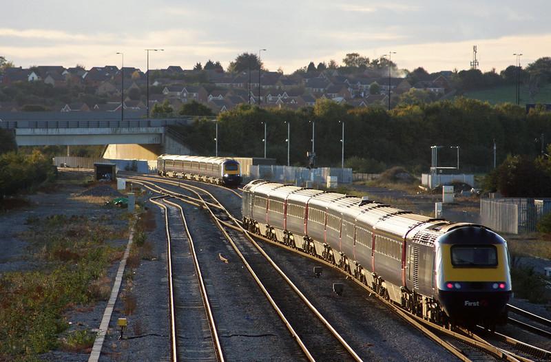 HST, 16.55 Cardiff Central-London Paddington, HST, 15.45 London Paddington-Swansea, Severn Tunnel Junction, 20-10-10.