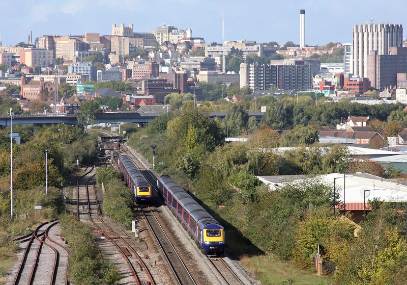 HSTs, westbound and Bristol Temple Meads-London Paddington, St Anne's, Bristol, 18-10-11.