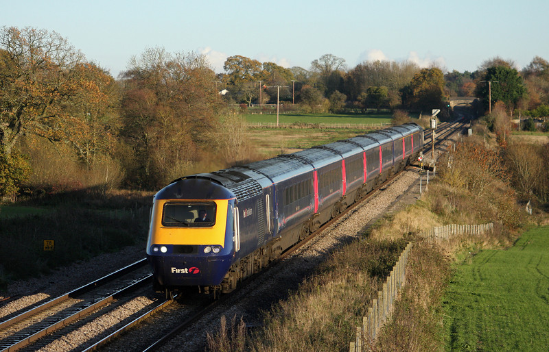 HST, 14.06 London Paddington-Penzance, Woodborough, near Pewsey, 16-11-10.