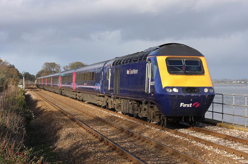 43023/43135, 10.00 Paddington-Paignton, Powderham, near Starcross, 5-12-11.