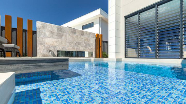 thumb_2-architectural-interiors-photography-luxury-swimming-pool-designer-home