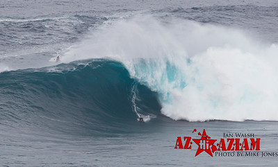 What a great three day trip 2 days in Maui, 1 Day at Mavericks documenting some huge swells. This is day 1 Jan 22nd at Jaws on Maui. All Photos Mike Jones www.azhiaziam.com