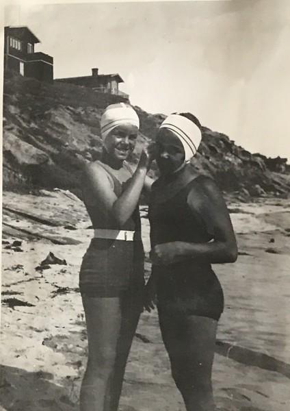 Jane Baxter and friend