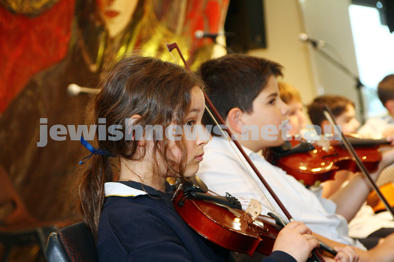 7-12-14. Habayit Israeli festival at Beth Weizmann. Photo: Peter Haskin