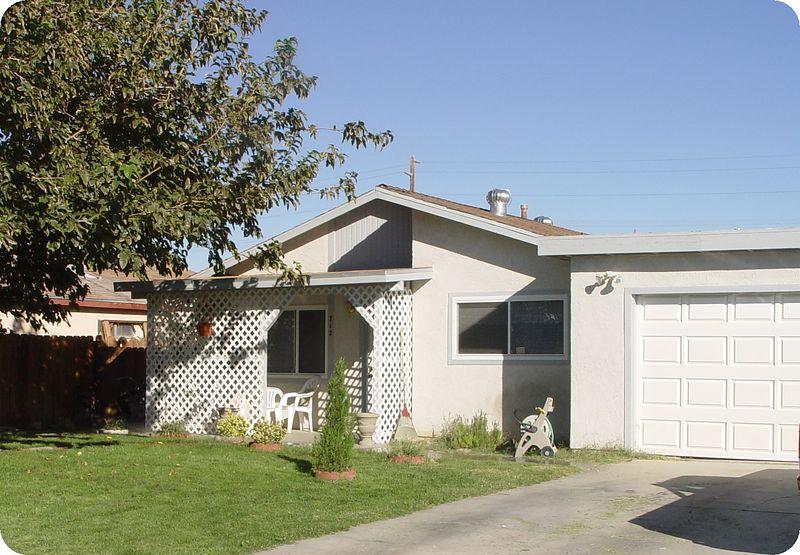 712 Robertson Avenue<br /> Ridgecrest, California
