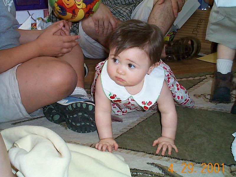 Emily crawling 01 04-29-01