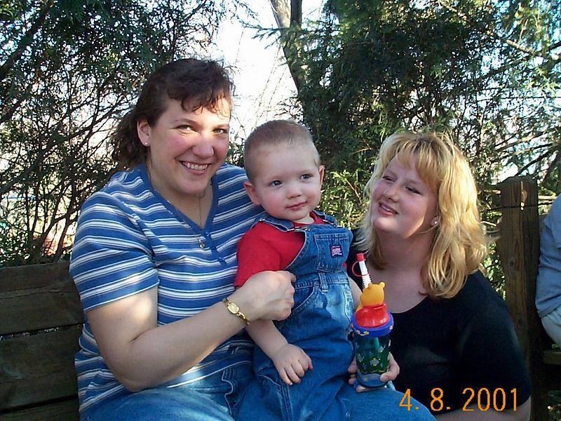Angie, Jack & Lisa D 02 04-08-01