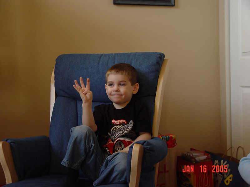 Jaycob's 4th birthday 01 16 05 (2-1)