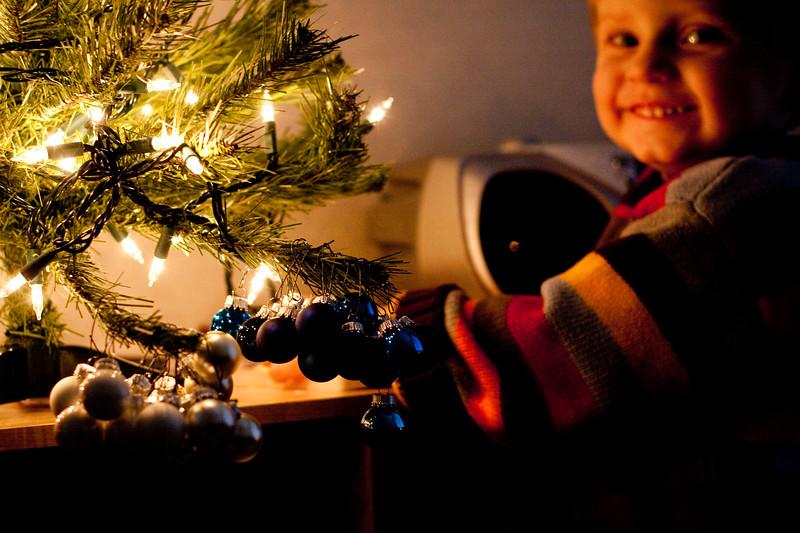 12 12 09 Jonah's Christmas Tree-9504