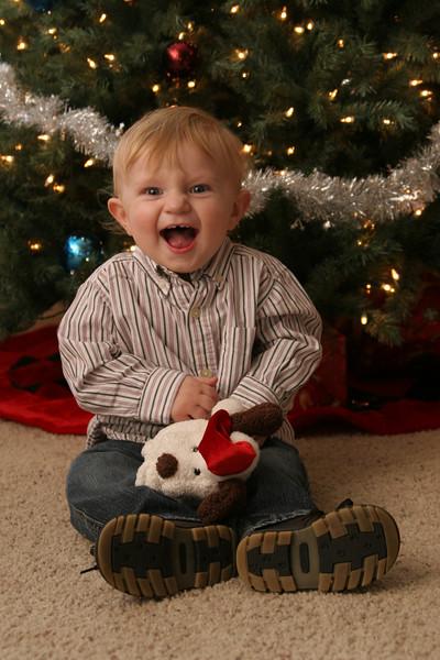 12 13 07 Jonah, Kat & Carter Christmas Pics (15)