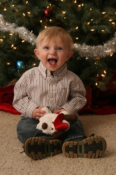 12 13 07 Jonah, Kat & Carter Christmas Pics (16)