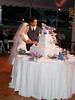 Laura & Dan cutting the cake