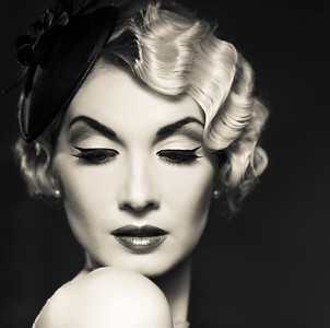 Lionesse-50s-Hairstyle-How-To-Vintage-Waves