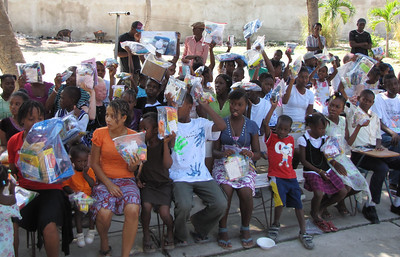AN16 Children's Home kiddies with Emmanuel Christian Church Christmas gifts