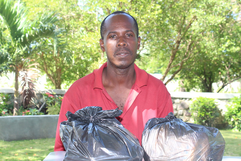 AN1196 Jikael Rinvil GG3010 moved to the U S ; the uncle came to tell us and we gave him the 2 bags of food sent by sponsors; no future gifts