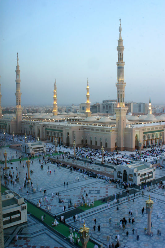 A panorama of the Masjid Nabvi as people stream in for Magrib prayers.