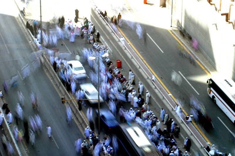 People moving on the access road that lead to Mina.