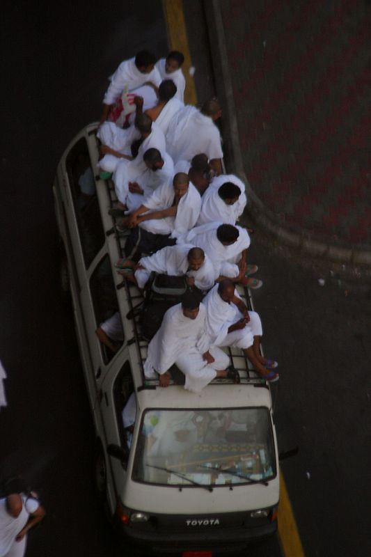Pilgrims already heading for Mina.