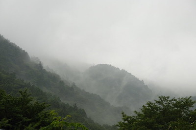 Summer is often foggy and rainy.