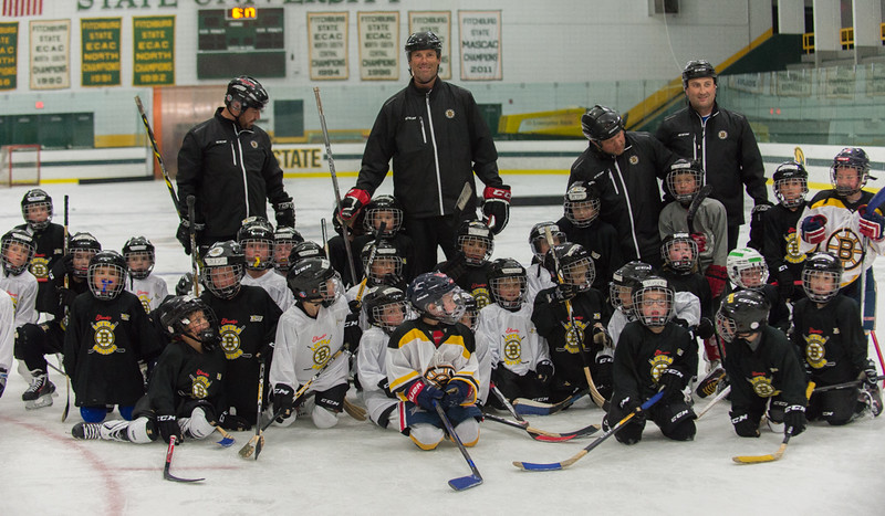 Former Boston Bruin and NHL veteran Hal Gill along with local youth hockey coaches and participants in the Little Bruins Youth Hockey Program at the Gaetz Arena at Wallace Civic Center on Wednesday, Oct. 19, 2016. SENTINEL&ENTERPRISE/ Jim Marabello