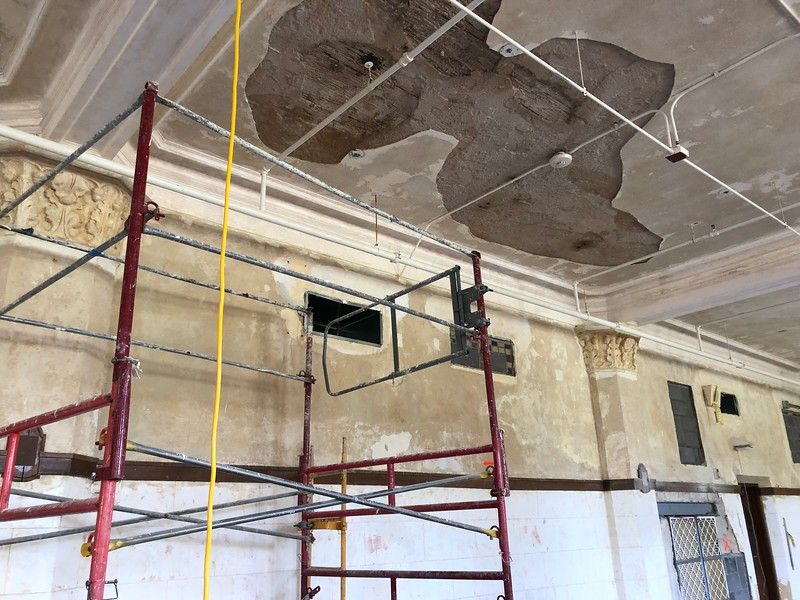 Exposed ceiling and scaffolding in Hale Library 212 on May 17, 2019. (Dene Dryden | Collegian Media Group)