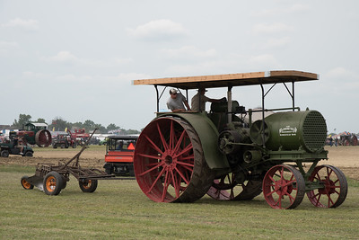tractor-7785