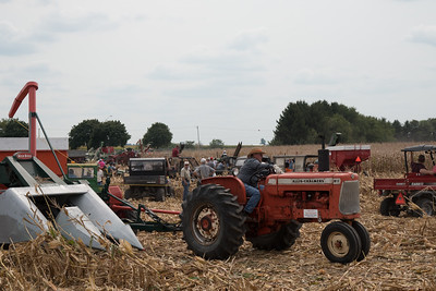 tractor-7721