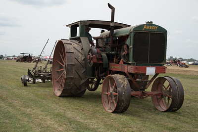 tractor-7788