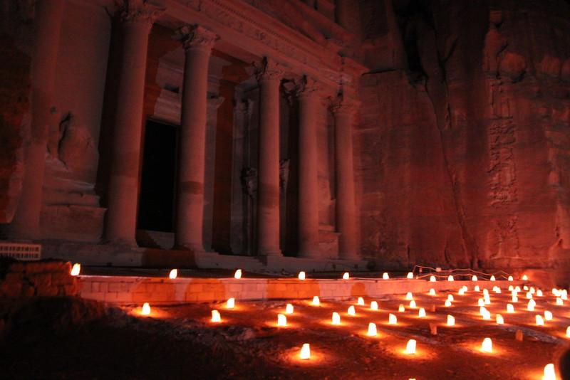Fotograaf: Angèle van Zuilen. Petra by night, Jordanie