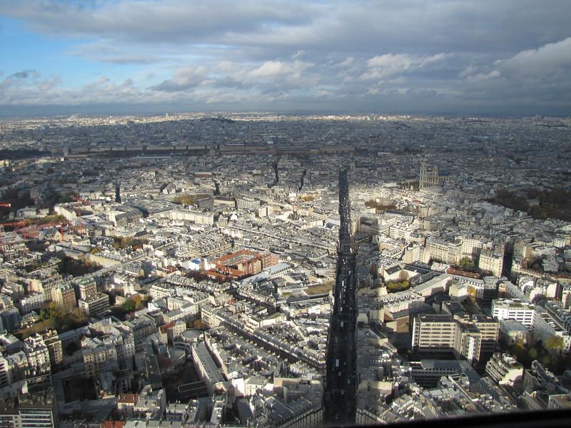 Fotograaf: Elly. Speling van de zon op een stukje Parijs genomen vanaf Montparnasse.