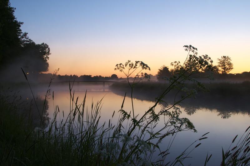 Fotograaf: Dennis de Waard. de Mark bij zonsopkomst.