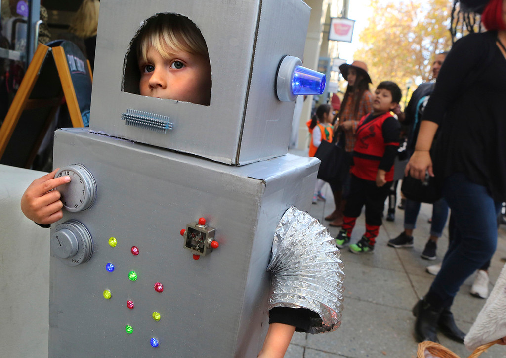 . HALLOWEEN
