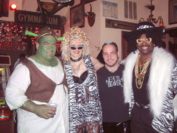 2004-10-31 Burwood Tap - The Crobar Costume Parties