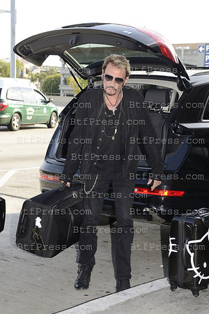 Johnny Hallyday, Laticia,Jade, Joy, Laeticia Grand Mother,dog  and Nounou left Los Angeles from LAX to Paris.
