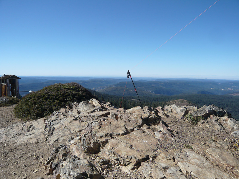 I used my other hiking pole for the south end of the antenna.