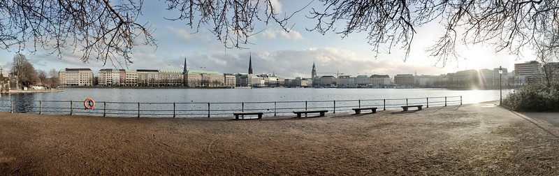 Binnenalster im Winter am Tag Panorama