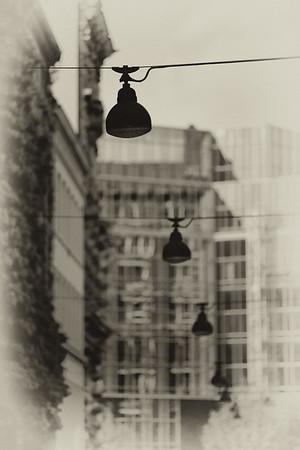 Straßenbeleuchtung schwarz-weiß Hamburg