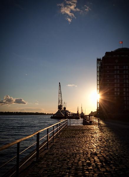 Neumühlen in der Abendsonne Hamburg