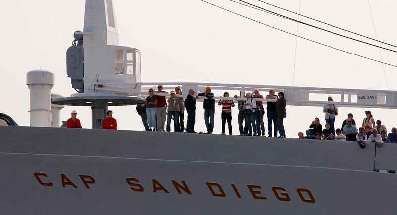Cap San Diego mit Passagieren und Menschen Hafengeburtstag Hamburg