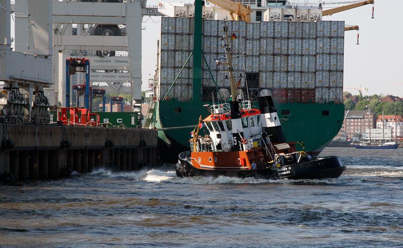 Schlepper BUGSIER 15 beim Hafengeburtstag Hamburg
