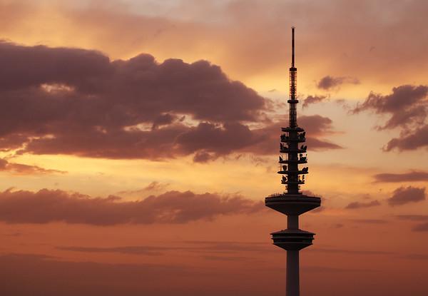 Aussicht Fernsehturm Hamburg Heinrich Hertz Turm am Abend