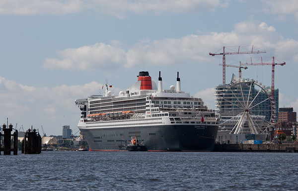 Queen Mary 2 in der HafenCity Hamburg